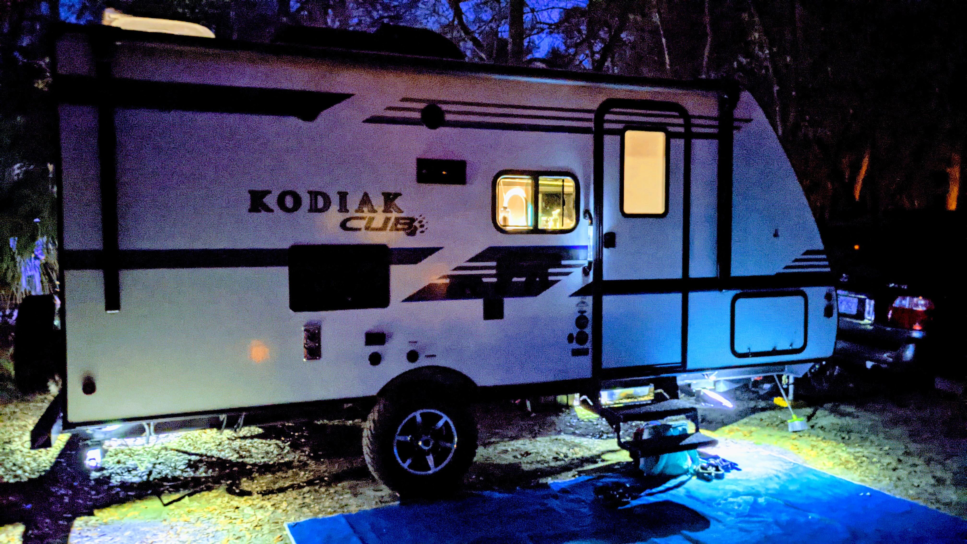 Night time coziness. Dutchmen Kodiak 2019