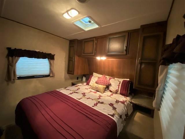 Master bedroom. Crossroads Zinger 30KB 2014