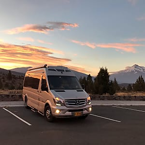 Top 25 Bend, OR RV Rentals and Motorhome Rentals | Outdoorsy