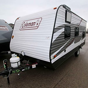 Top 25 Milwaukee, WI RV Rentals and Motorhome Rentals