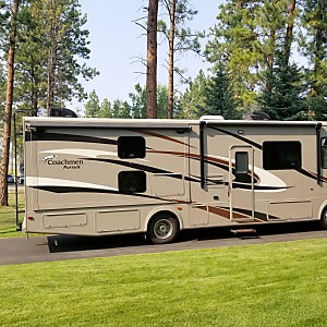 Class A RV Rental Kalispell, MT | Outdoorsy