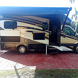 Top 25 Miami, FL RV Rentals and Motorhome Rentals | Outdoorsy