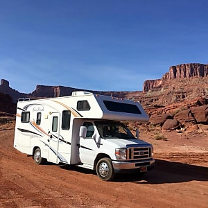 Top 25 Dubuque County, IA RV Rentals and Motorhome Rentals