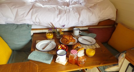 Brekkie on the pull out table