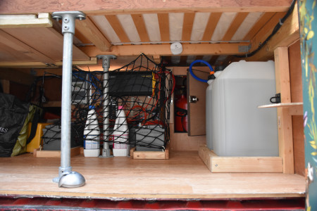 2x25L Fresh water tanks - easy to remove for refill and LPG gas