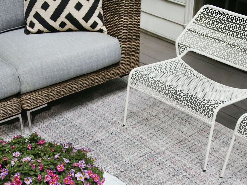 1188 Eco-Friendly Outdoor Rug in Seashell Grey