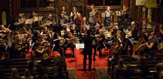 London Euphonia Orchestra & Antonio Oyarzabal play Ravel and Mussorgsky