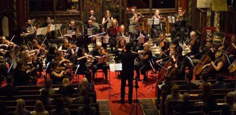 London Euphonia Orchestra & Antonio Oyarzabal play Ravel and Mussorgsky
