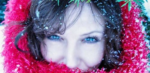 Birminghams Femme Lesbian Snowy Singles