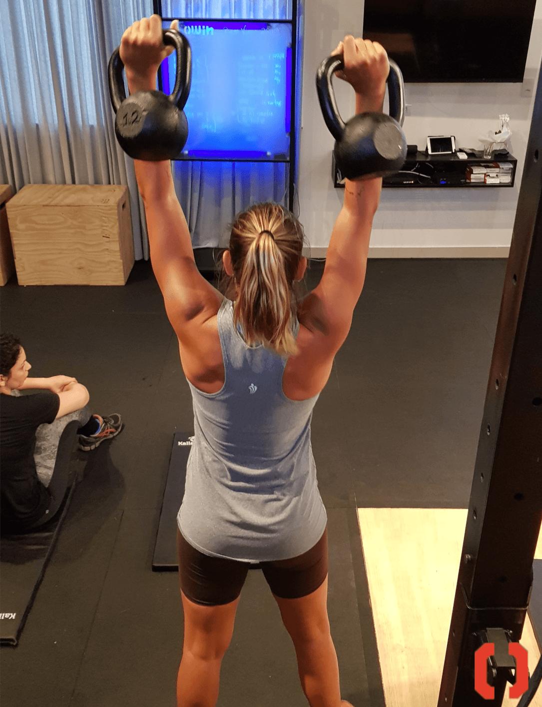 Push press, movimento do treinamento funcional