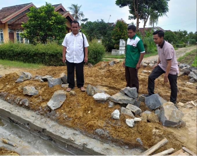 Tahap Awal kampung Rama Kelandungan Bangun Drainase Dan Gorong-Gorong Plat