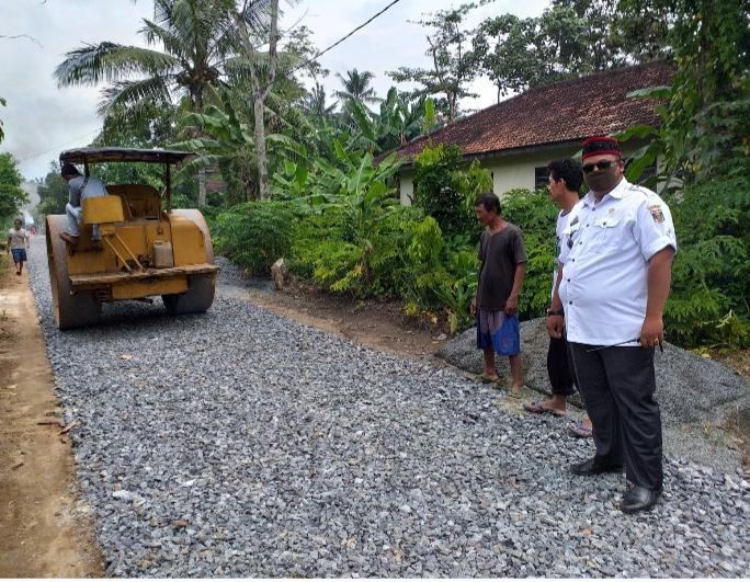 Kampung Rama Indra Bangun Jalan Lapen Sepanjang 855 Meter