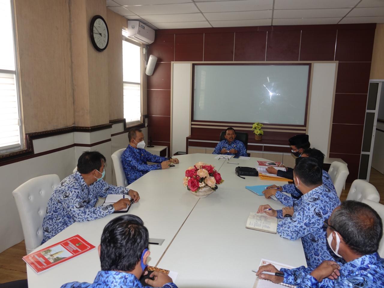 Pj. Sekdakab Lamteng Rapat Brieafing Pengelolaan Keuangan dan Aset Daerah