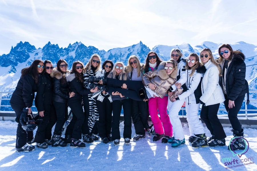 Group-of-ladies-on-a-hen-do-in-chamonix