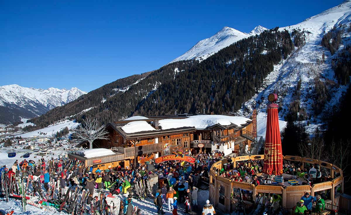 lively-apres-ski-at-the-mousserwirt-st-anton
