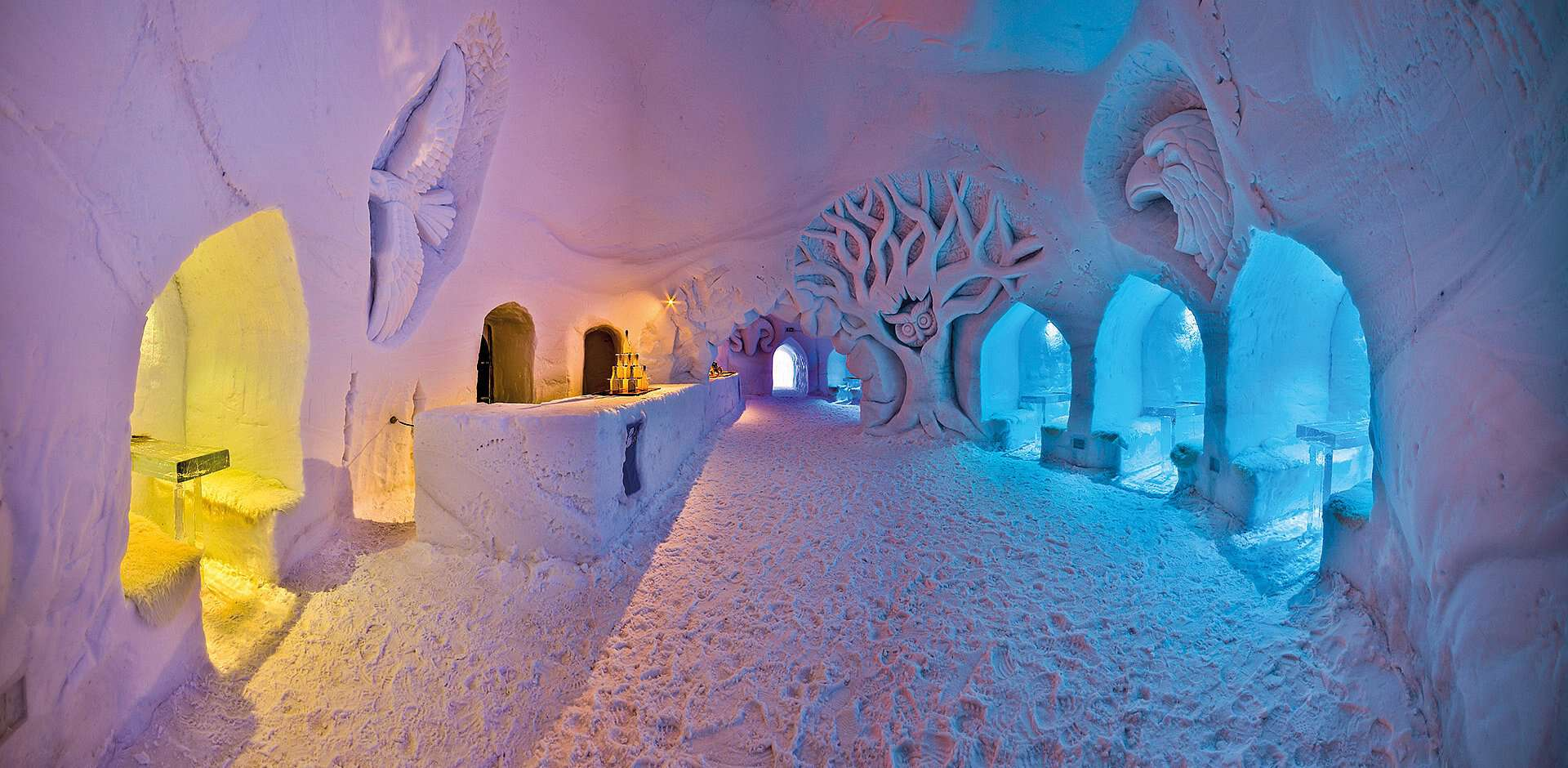 inside-the-igloo-bar-mayrhofen