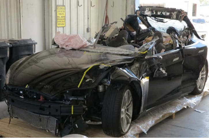 Tesla death smash probe: Neither driver nor autopilot saw the truck