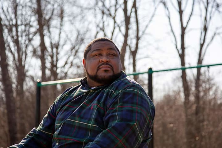 Wrongfully arrested man sues Detroit police over false facial recognition match