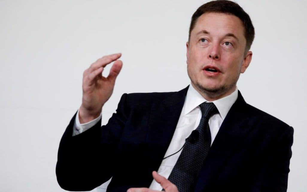 Elon Musk admits robots are slowing down Tesla production - and says humans are the answer