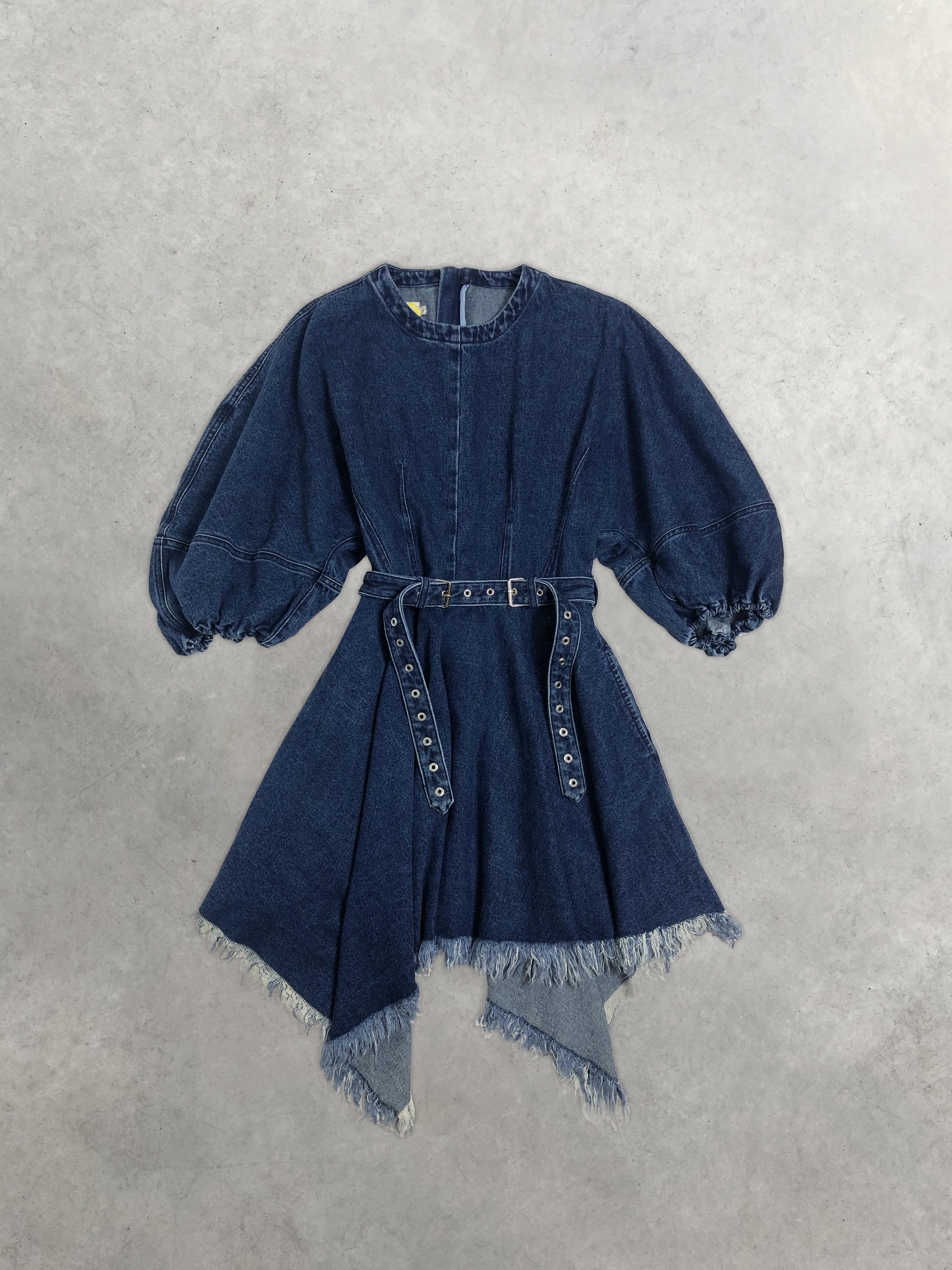 Packshot du produit Robe Blue Denim à Manches Ballon de la catégorie Robes