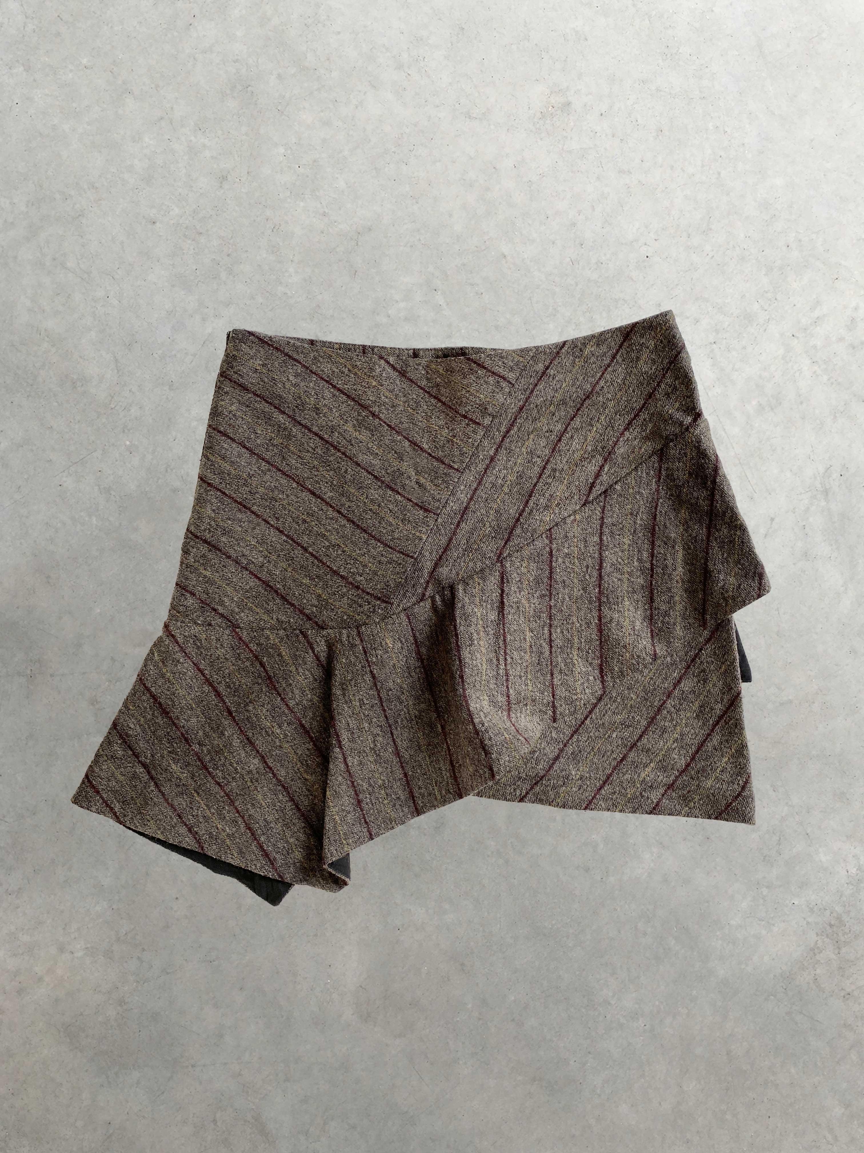 Packshot du produit Mini Jupe en Laine à Volant Asymétrique de la catégorie Jupes