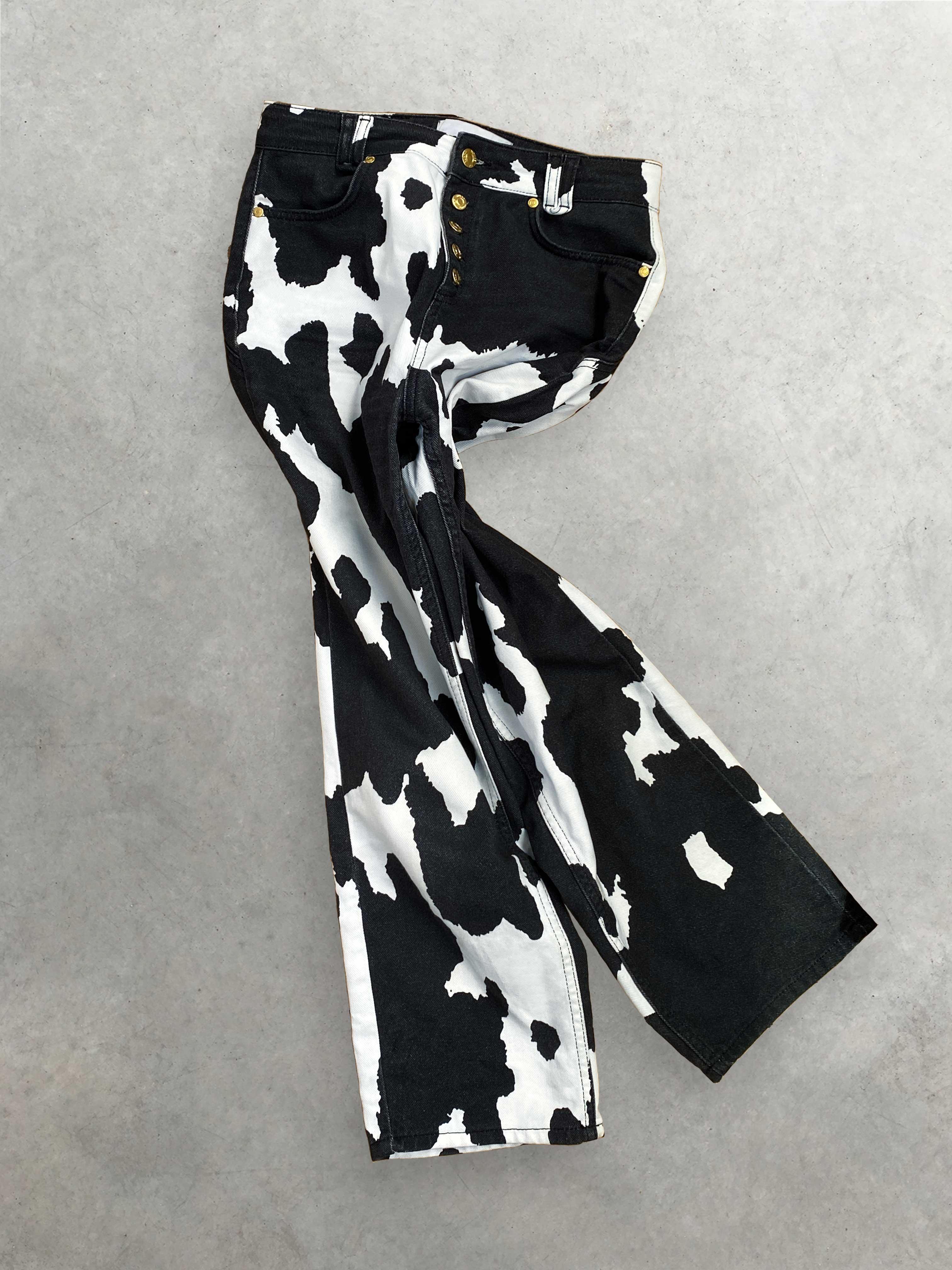 Packshot de Pantalon Western en Denim Imprimé Vache par la marque House of Sunny