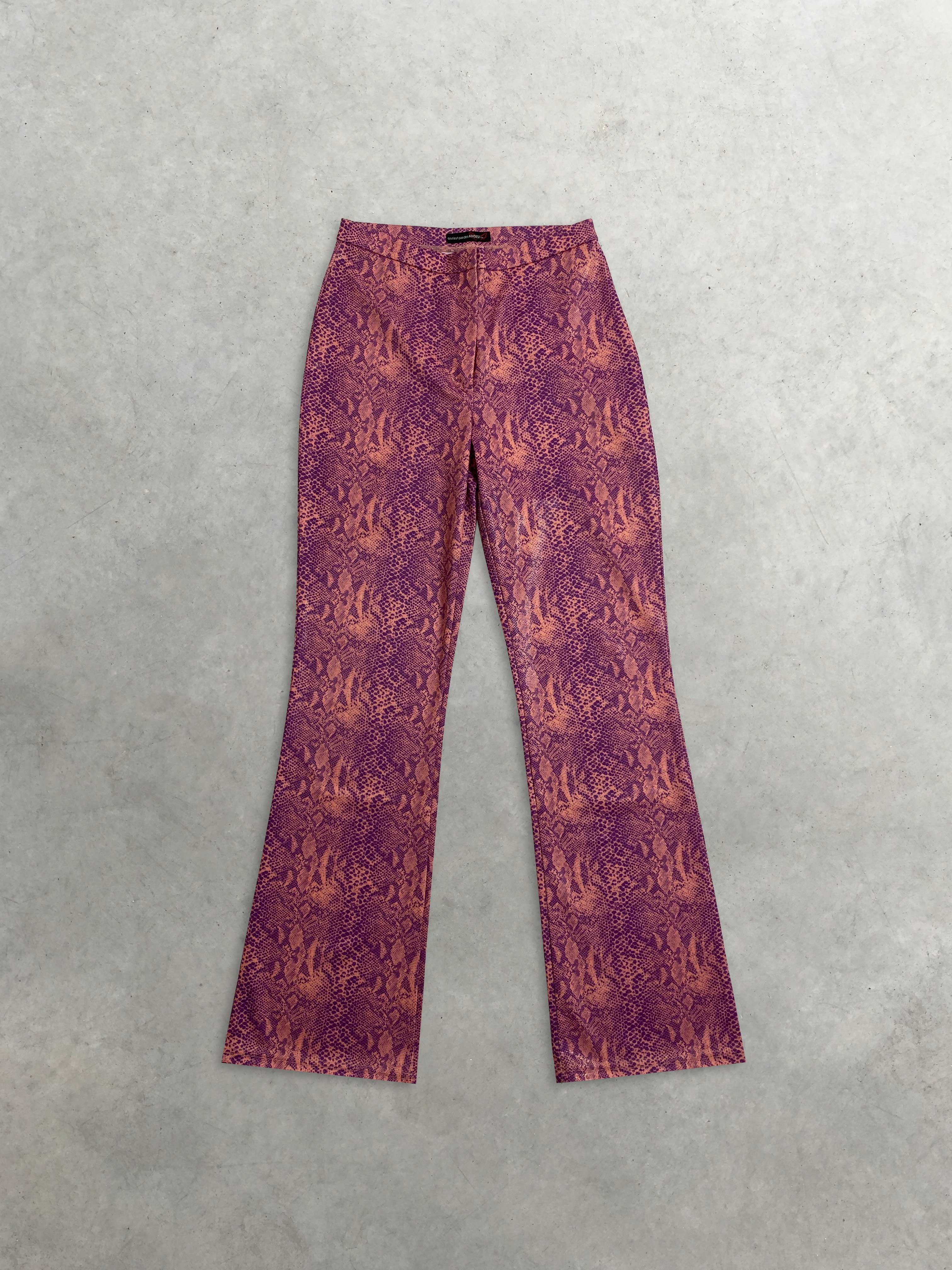 """Packshot du produit Pantalon Trompette Rose imprimé façon serpent iridescent """"Britney"""" de la marque Vintage"""