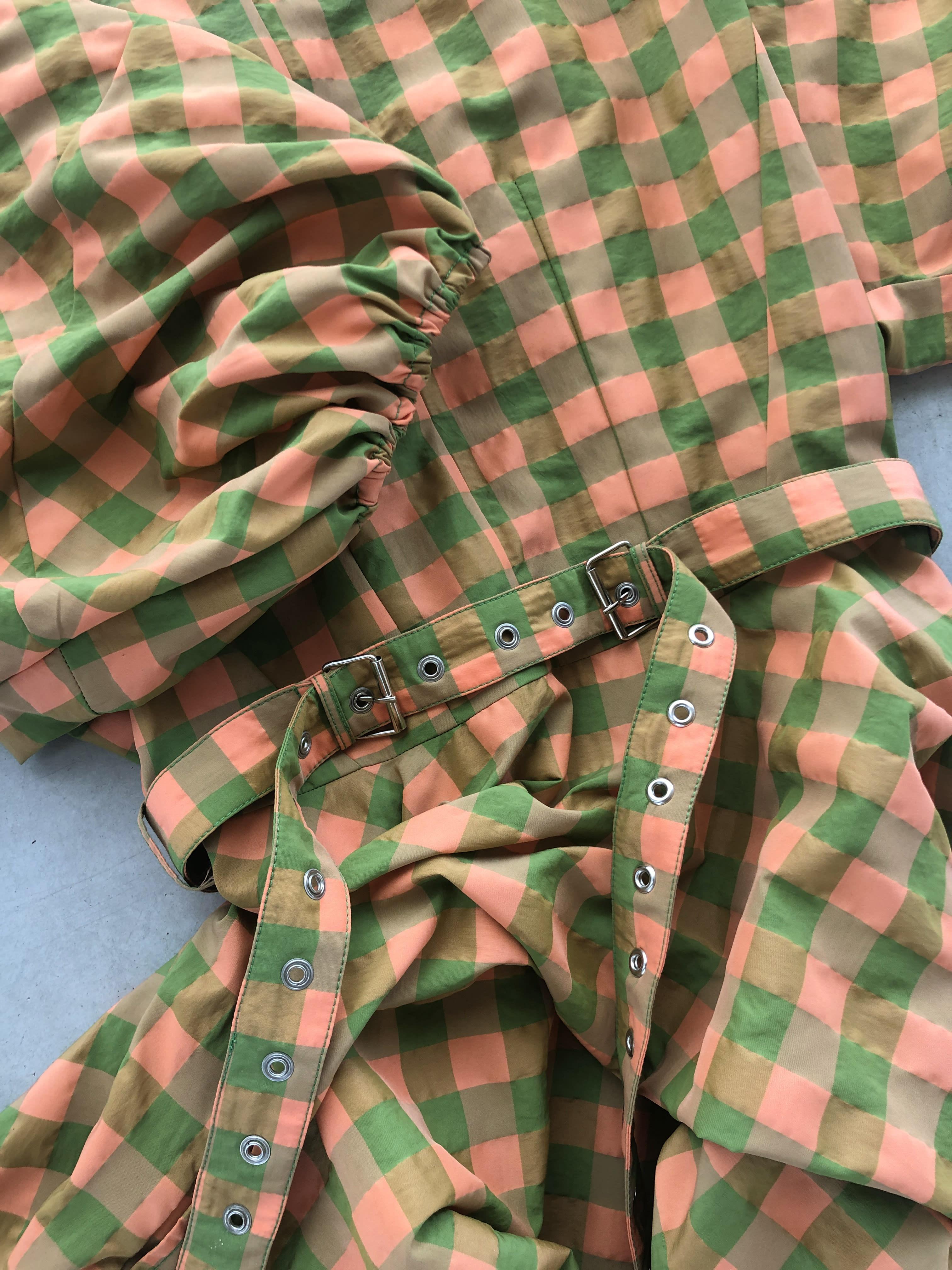 Packshot du produit Robe Vichy à Manches Ballon de la catégorie Robes