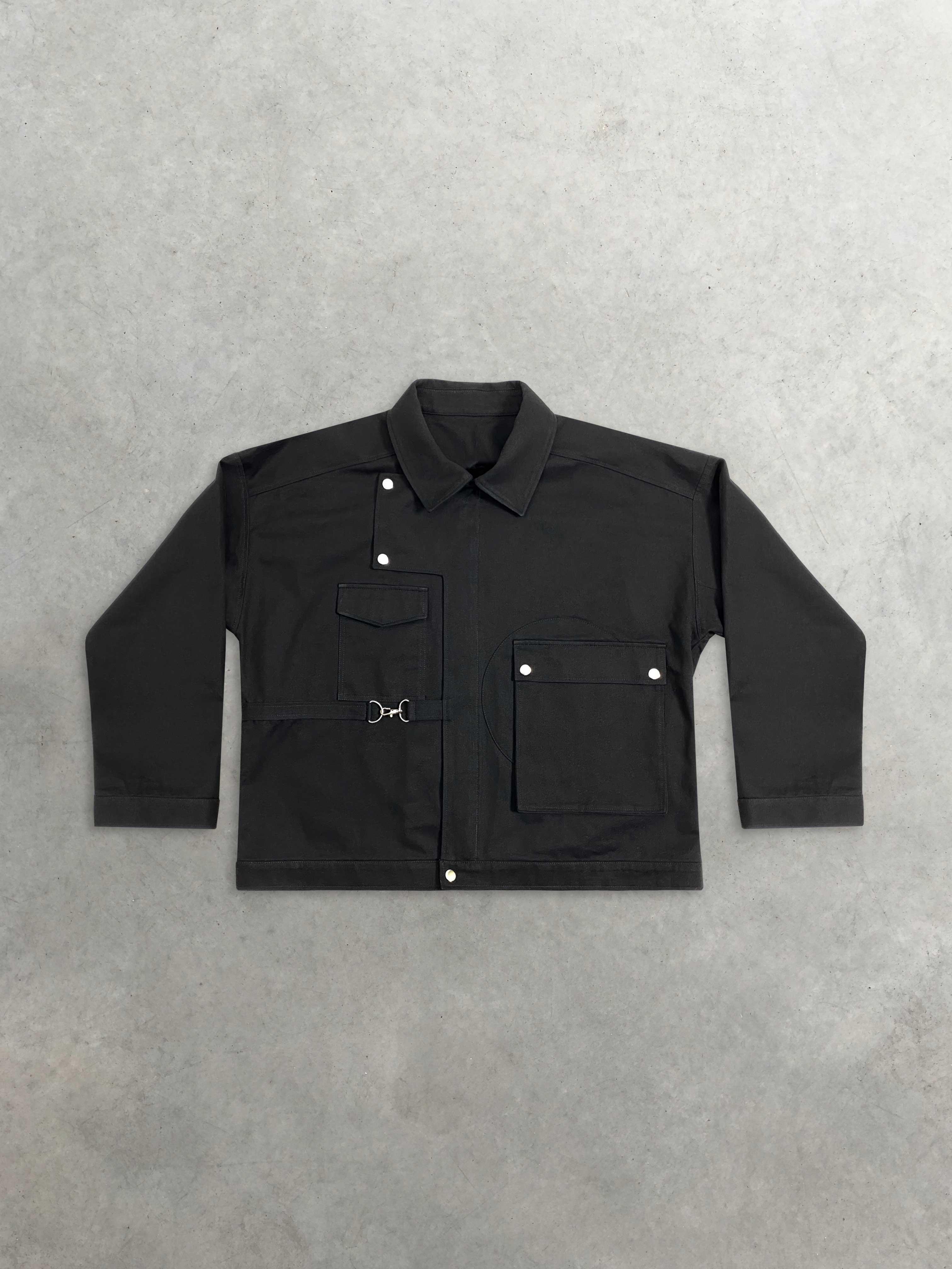 Packshot du produit Veste Noire Oversize à Poches et Mousquetons  de la marque Leloup