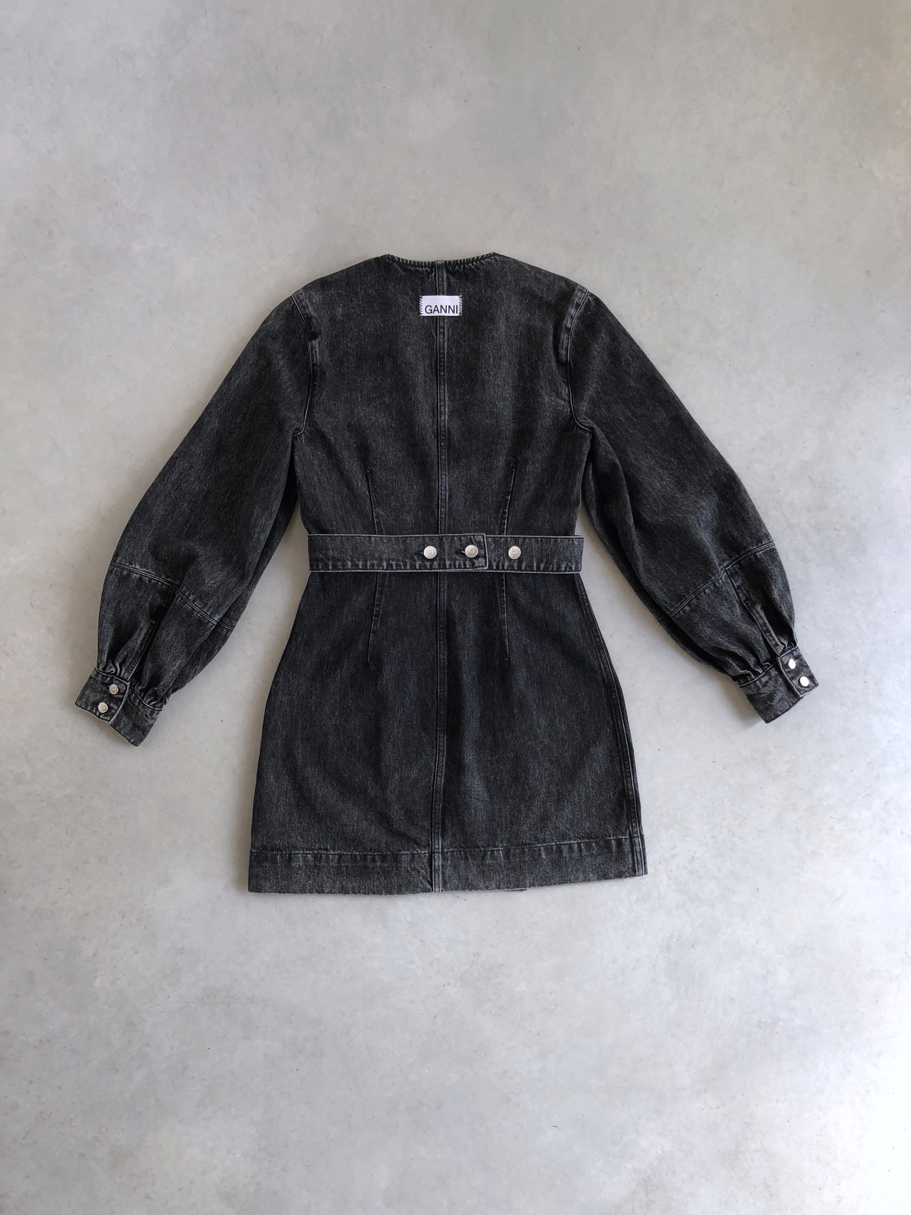 Packshot du produit Robe Portefeuille Denim Noir de la catégorie Robes