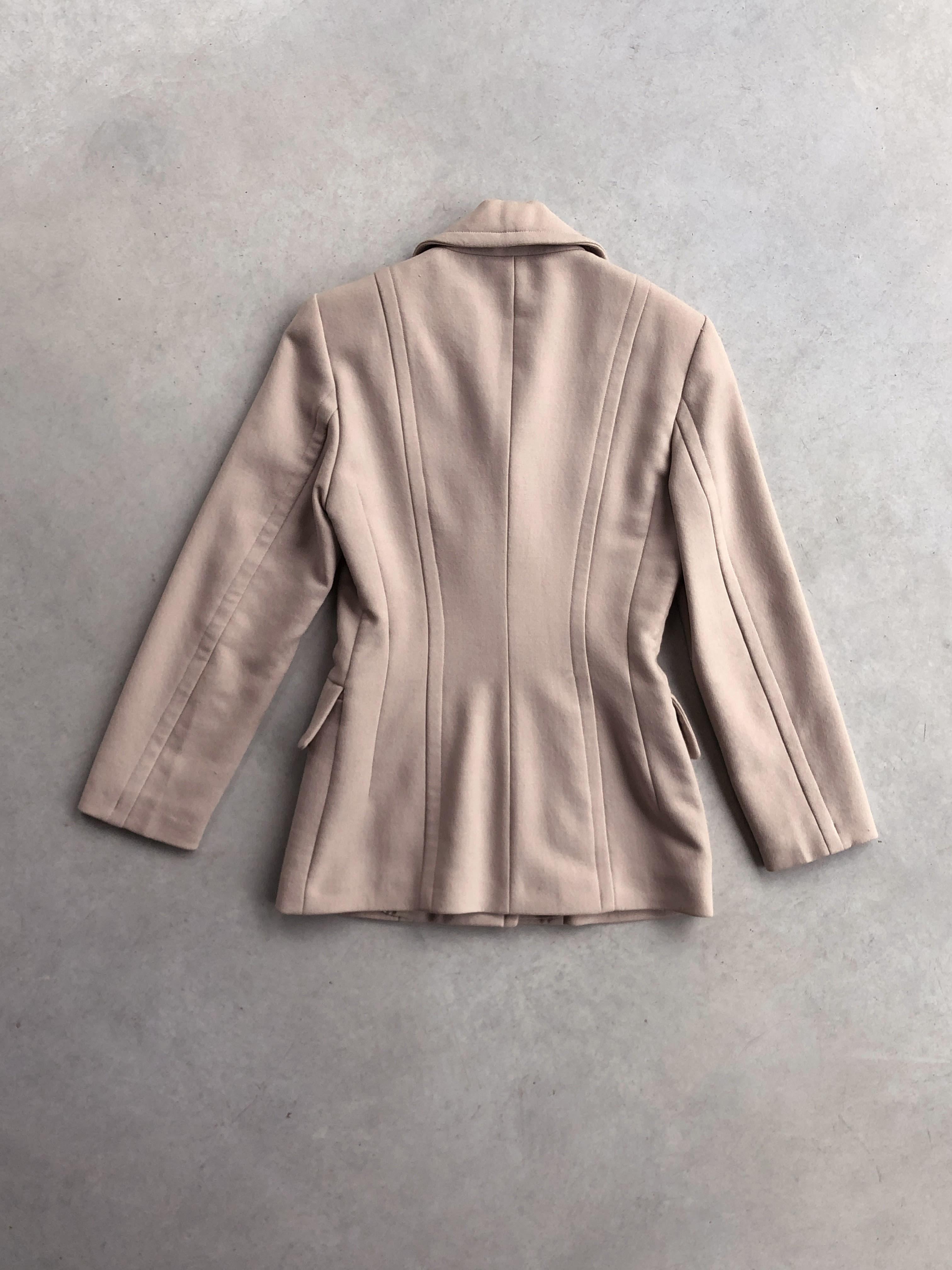 Packshot du produit Veste Cintrée Beige à Boutons XL de la catégorie Vestes & Manteaux