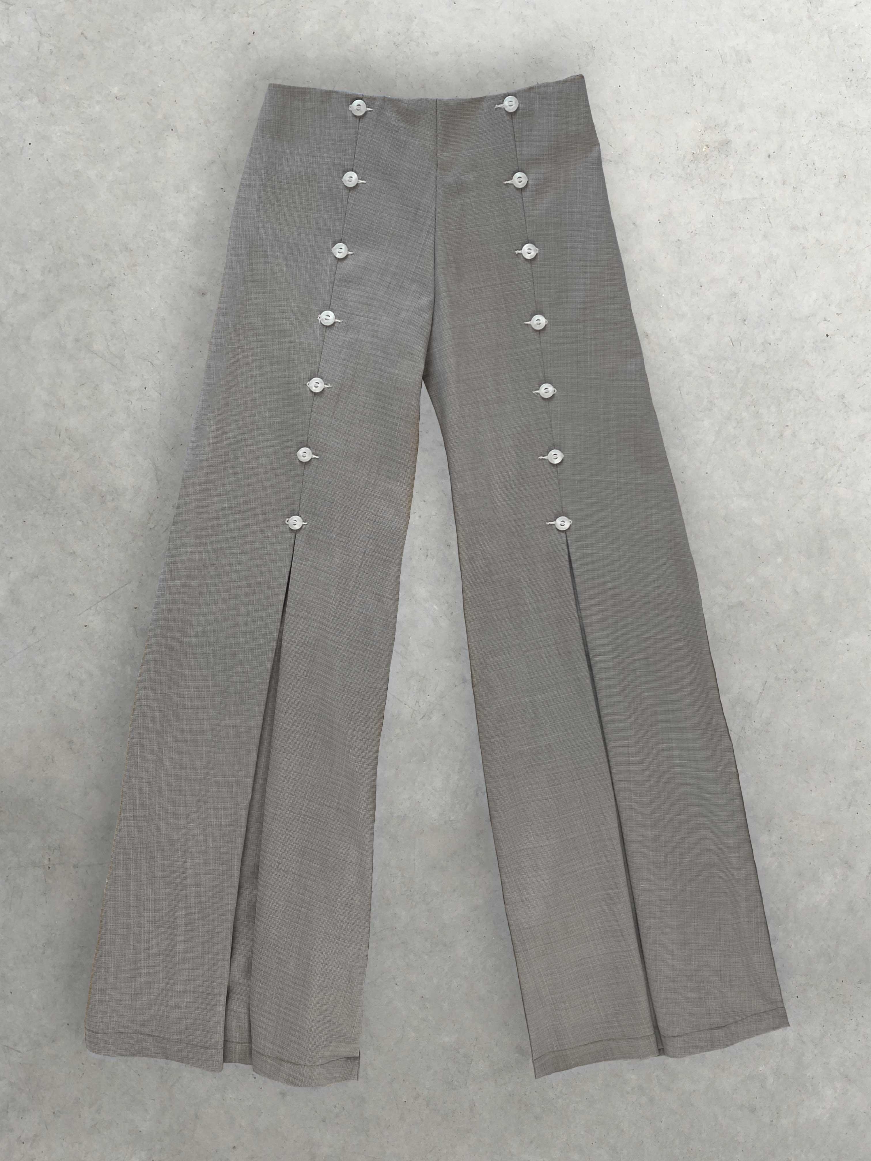Packshot de Pantalon Tailleur Moulant à Larges Pinces par la marque salut beauté