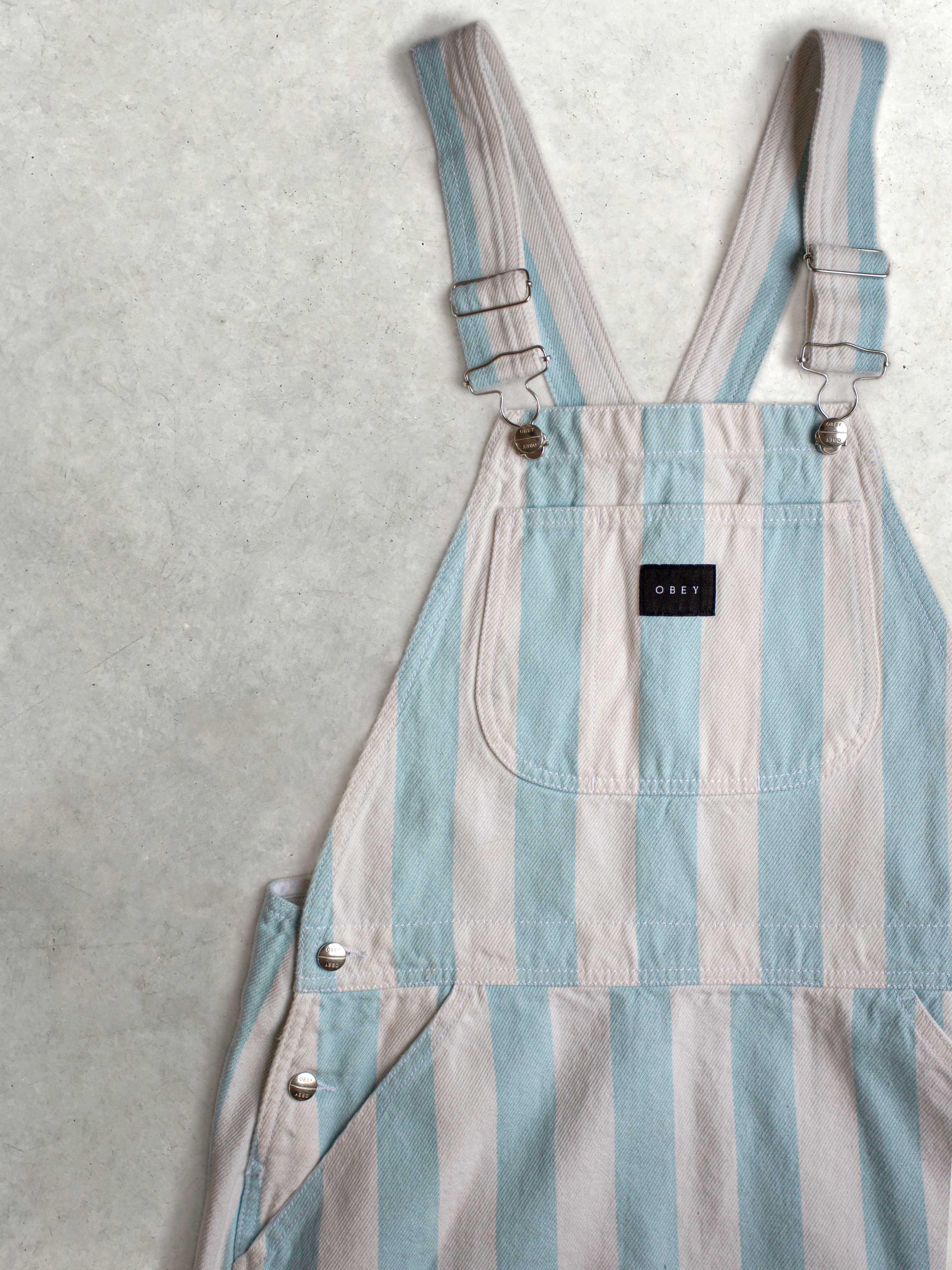 Packshot de Robe salopette pastel à rayures  par la marque Obey
