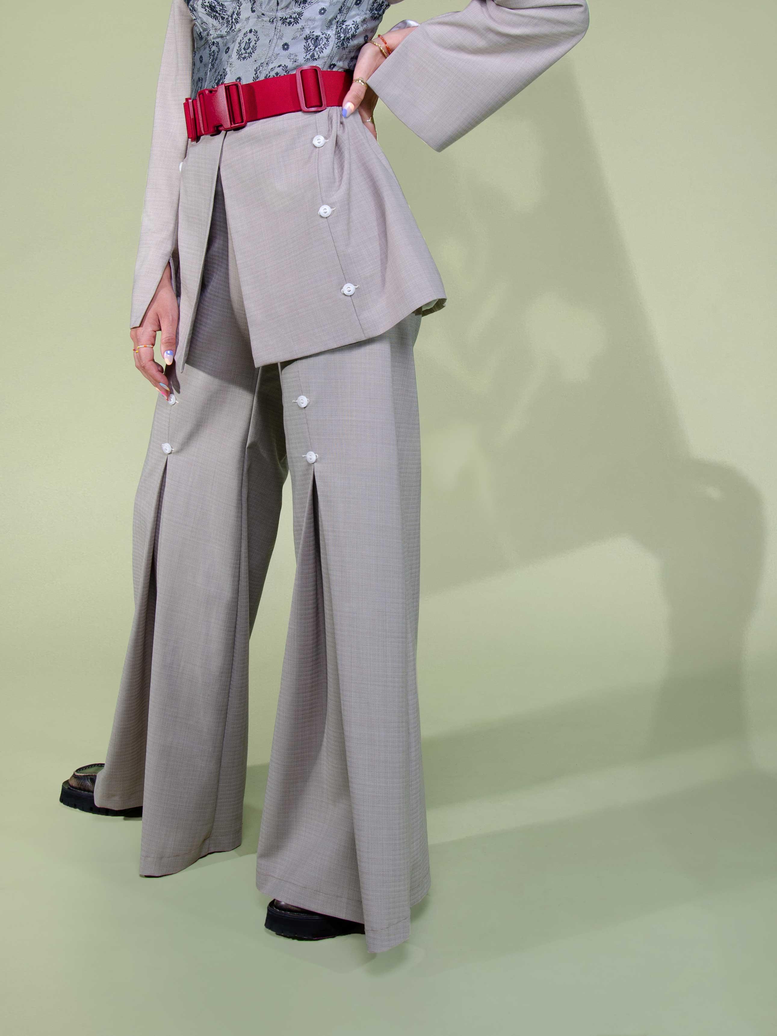 Modèle qui porte le look 70's Retro Britney