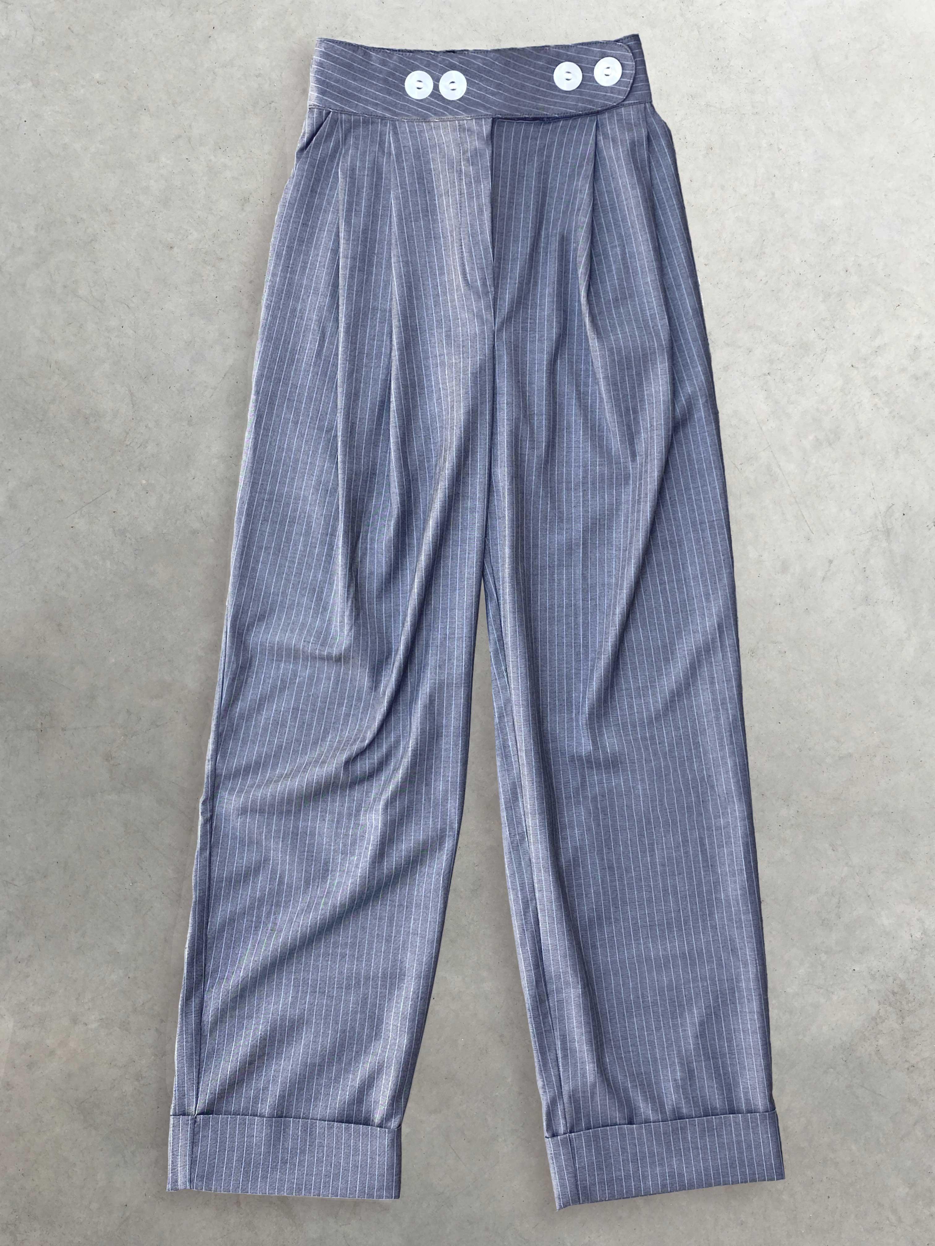 Packshot du produit Pantalon Gris Boyish Oversize de la marque salut beauté