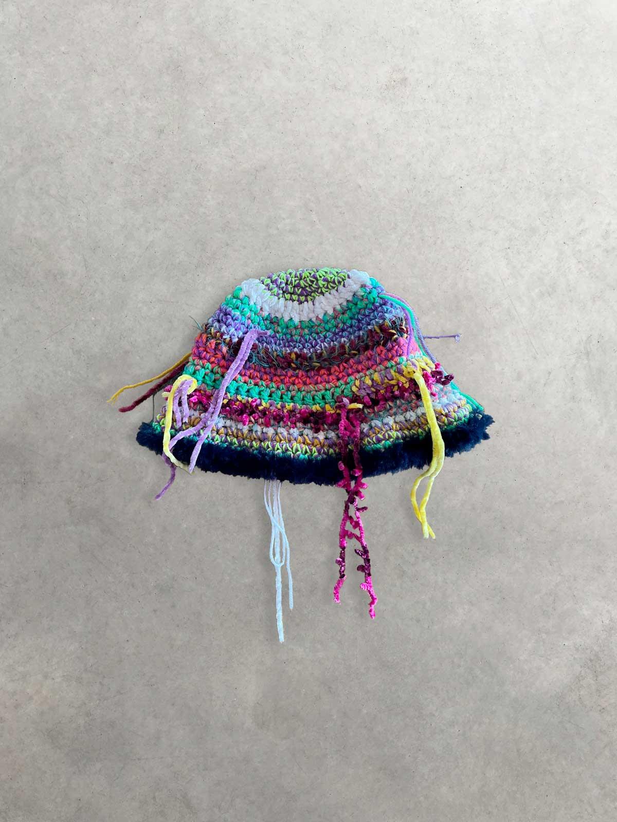 """Packshot du produit Bob en Tricot Multicolore """"Destroy"""" de la marque Kundalini Knitwear"""