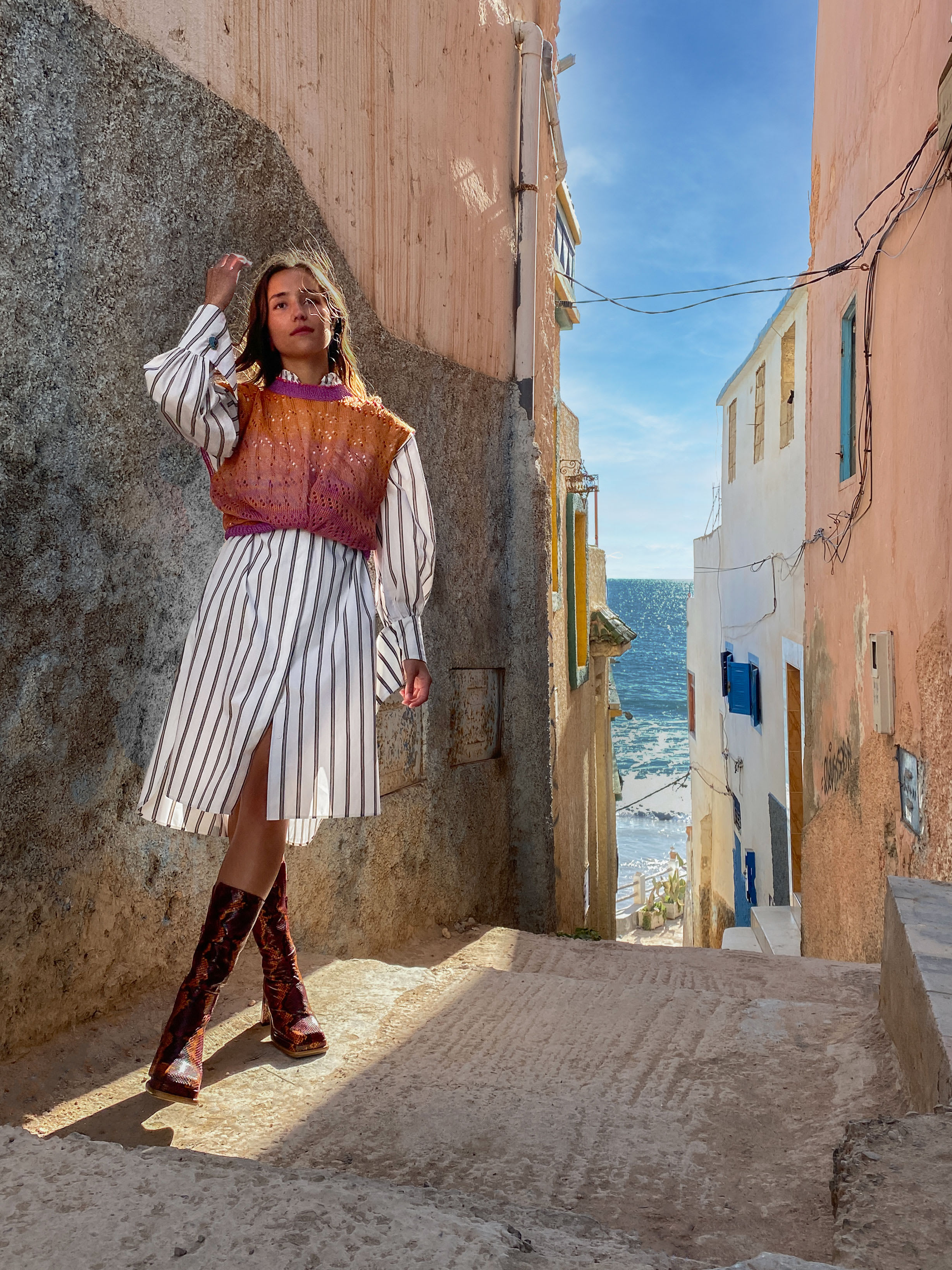 Modèle portant le look Tunique Sahara Vitaminé