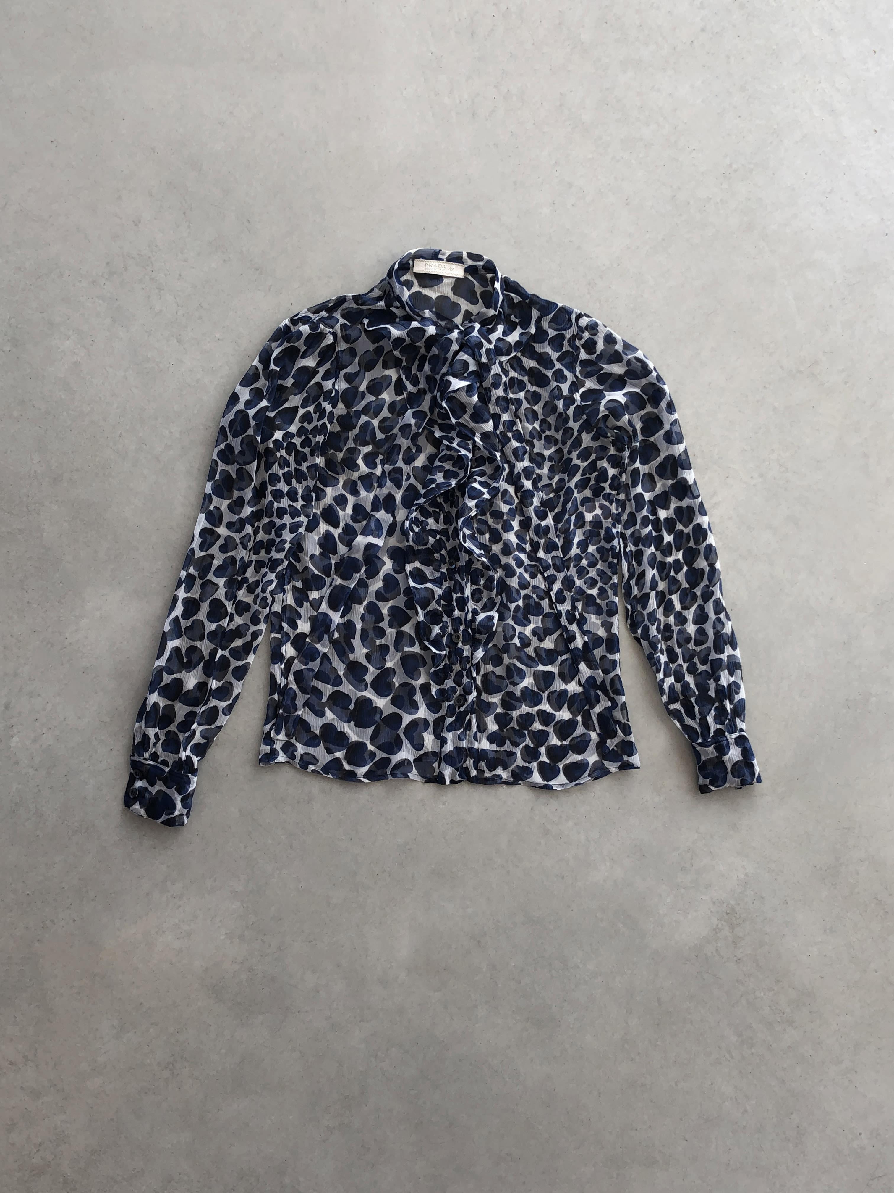 Packshot du produit Blouse Mousseline Lavallière à Coeurs de la catégorie Tops & Chemises