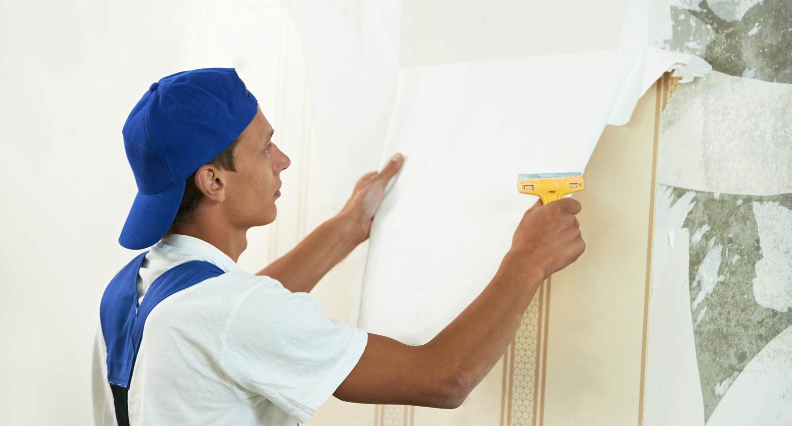 Wallpaper removal services in dubai