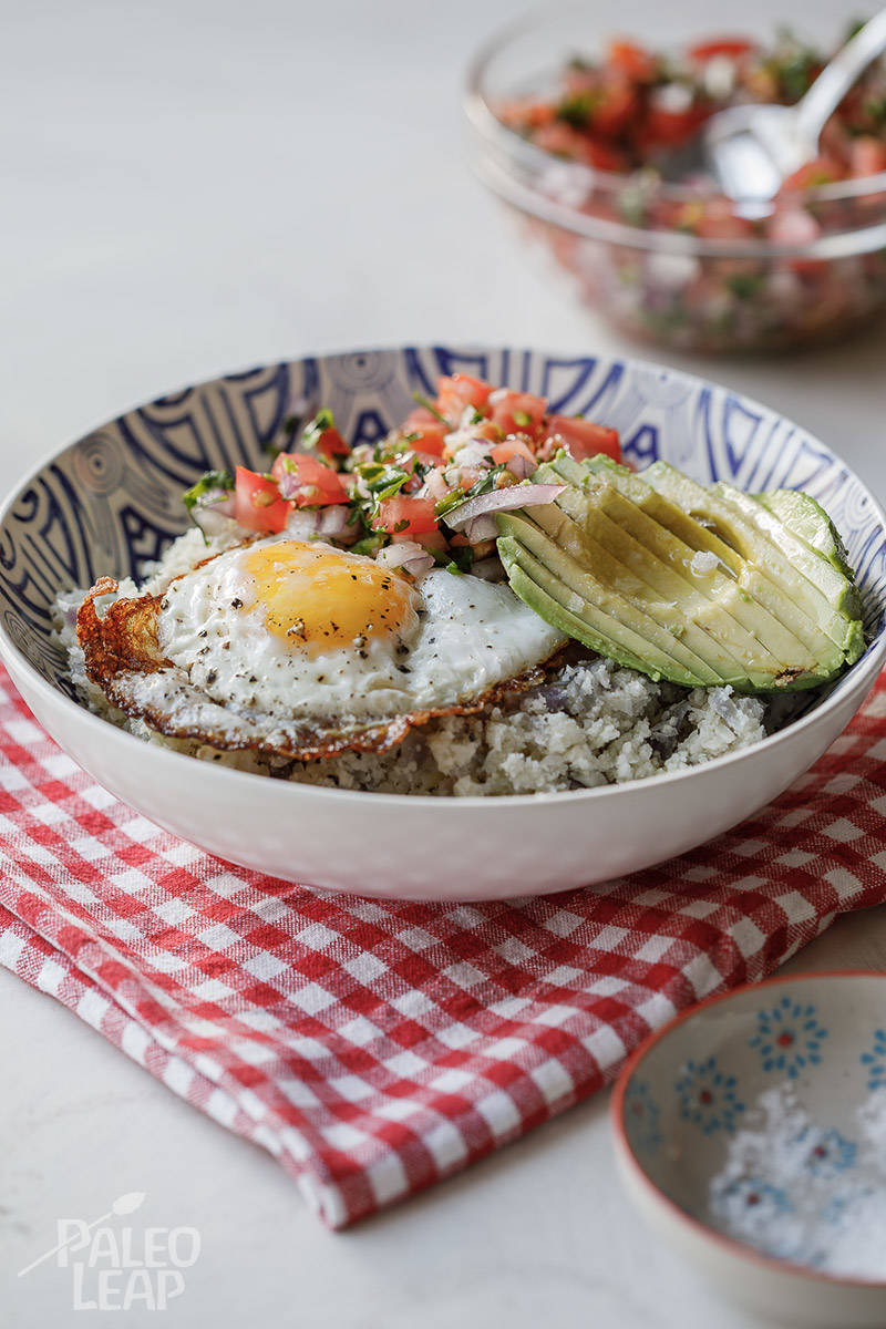 Paleo Breakfast Bowl with Pico de Gallo