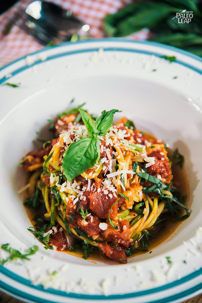 Keto Zucchini Noodles with Tomato-Basil Sauce