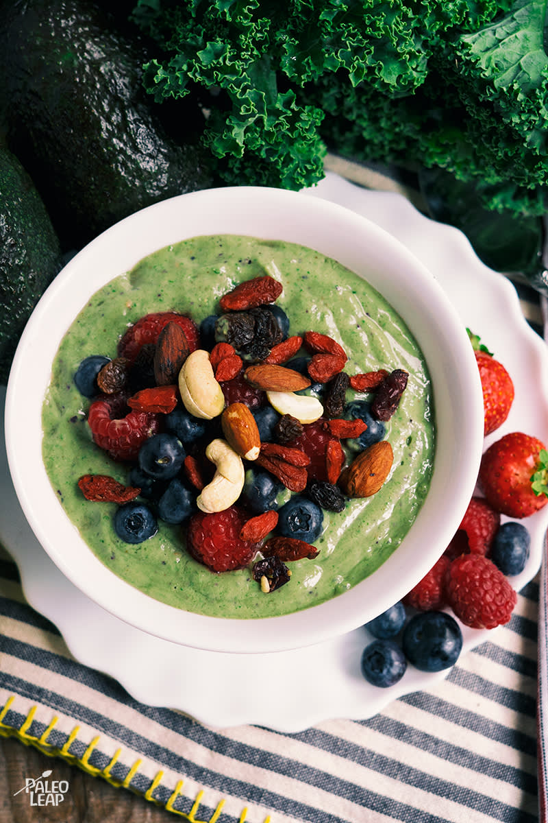 smoothie bowl avokado