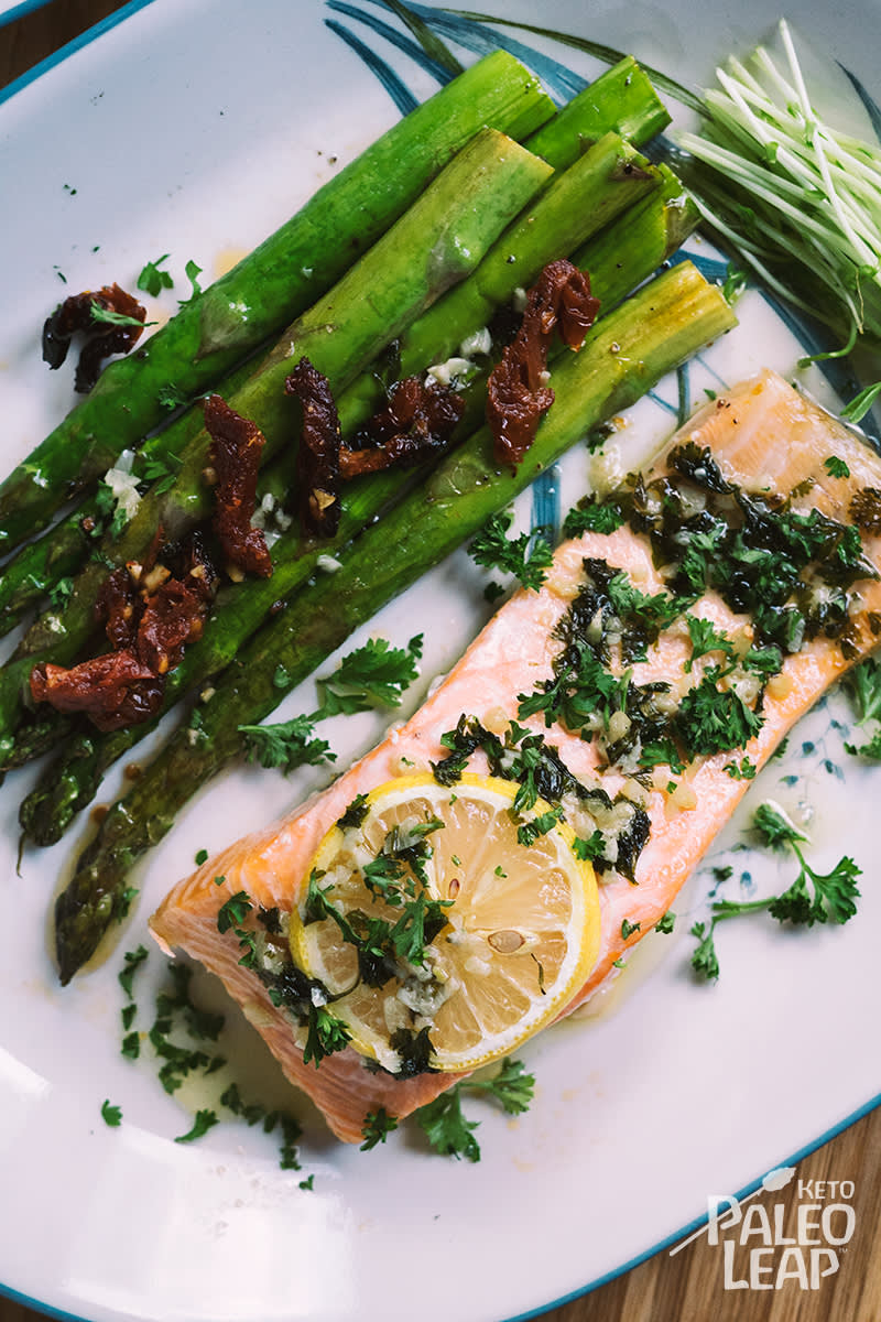 Keto Baked Lemon-Garlic Salmon with Asparagus