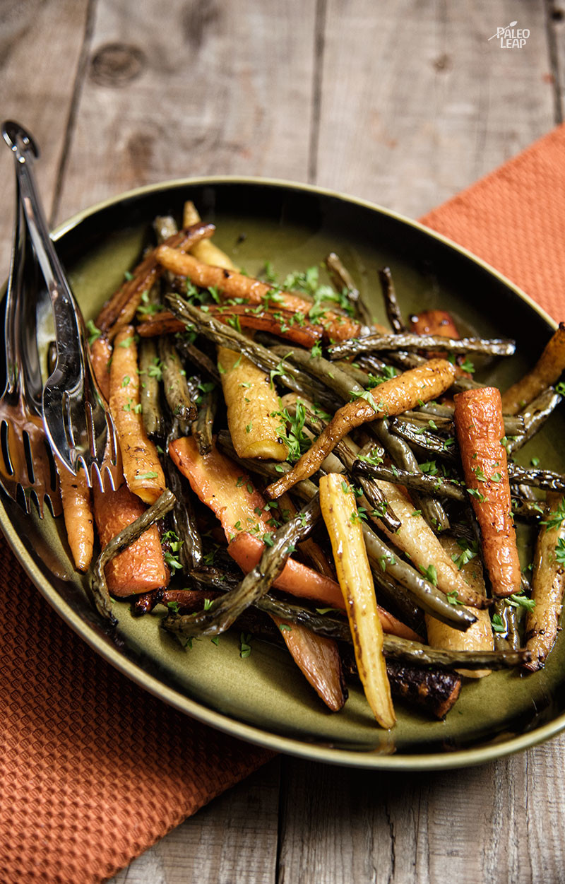 Balsamic Roasted Carrots and Green Beans | Paleo Leap
