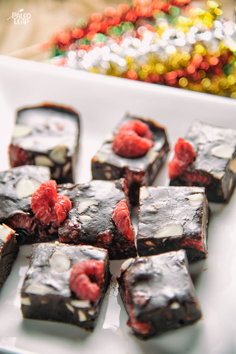 No-Bake Almond-Raspberry Chocolate Bars