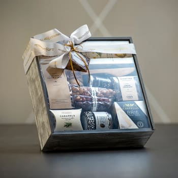 Peter & Paul's Gifts Modern Epicure Gift Basket