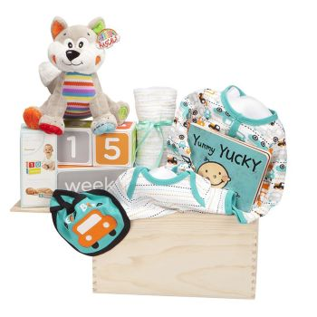 Peter & Paul's Gifts Baby Boy - Watch Me Grow Wooden Crate Gift Set