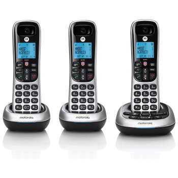 Motorola Digital Cordless Phone with Answering Machine - 3 Handsets