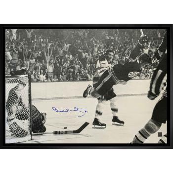 Frameworth Bobby Orr Signed 20x29 Framed Canvas Bruins Black and White The Goal