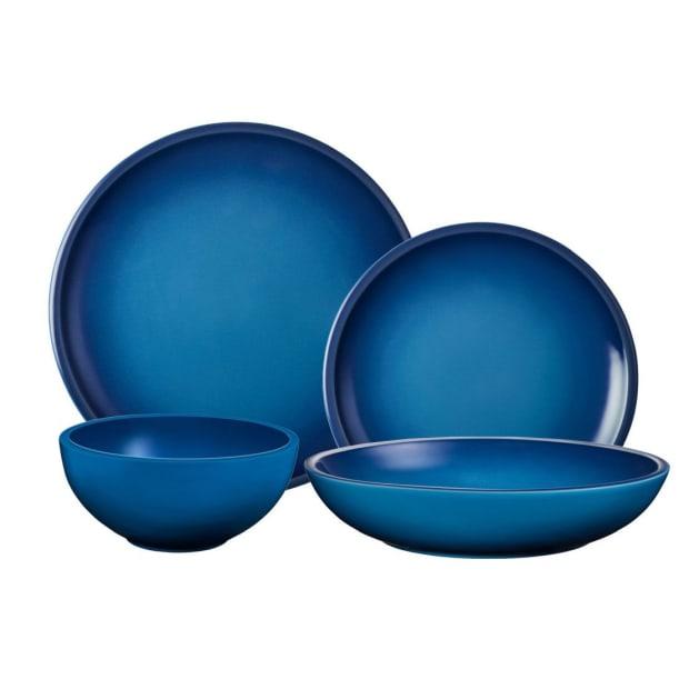 Le Creuset® 16-Piece Minimalist Dinnerware Set - Blueberry